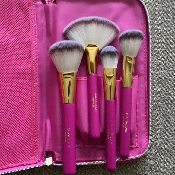 Brand new never used Isaac Mizrahi Makeup Brushes